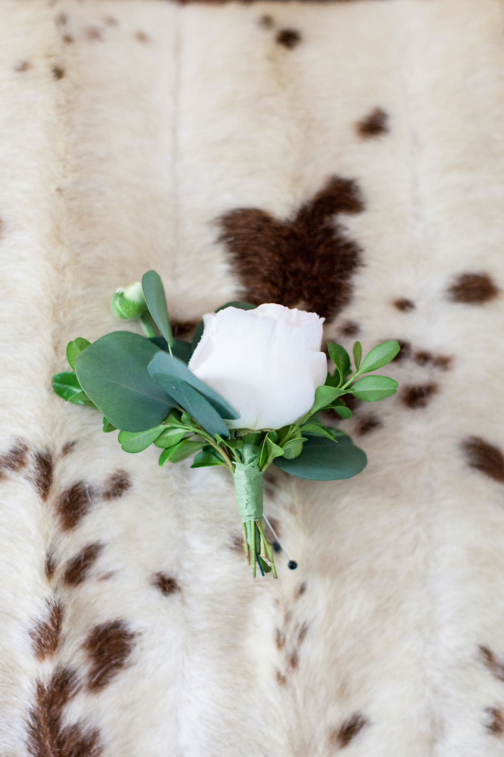 Wedding white boutonniere